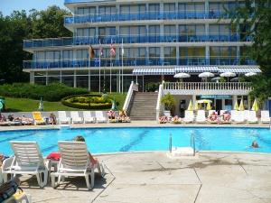 Basen - Hotel perla